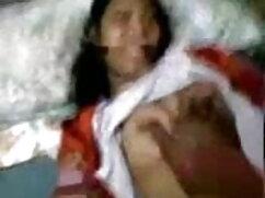 सींग का युगल निक्की और जैक सोफे पर हिंदी में सेक्सी वीडियो फुल मूवी नीचे और गंदे हो जाते हैं
